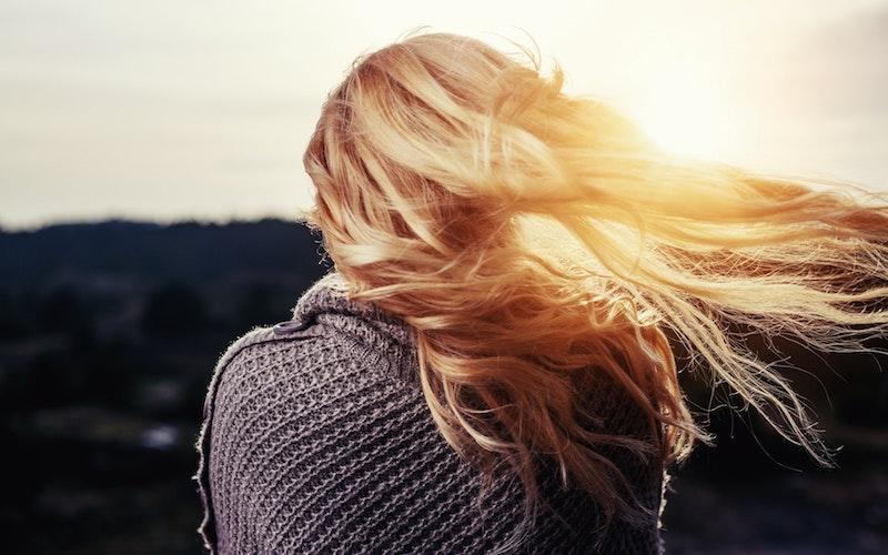 Vos cheveux sont secs avec un aspect «paille»?